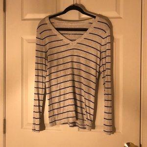 Long sleeve gap shirt